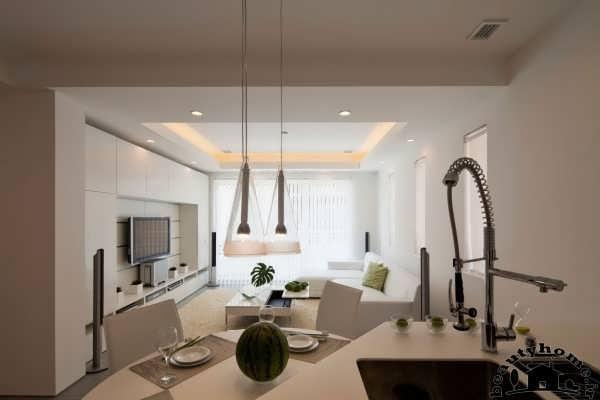 طراحی دکوراسیون داخلی خانه سفید با رنگ مکمل سبز