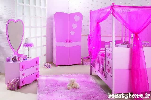 دکوراسیون اتاق نوزاد بنفش سوسنی روشن