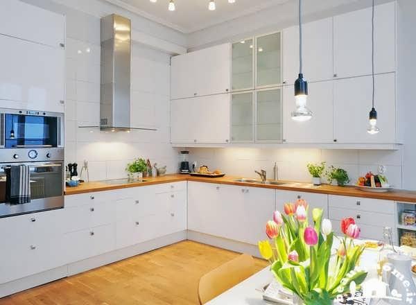 کابینت سفید برای دکوراسیون آشپزخانه شیک