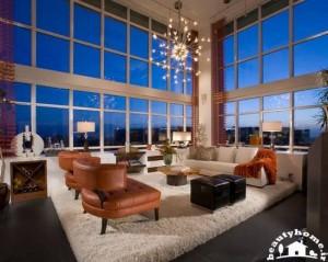 طراحی دکوراسیون پذیرایی خانه با سلیقه سقف بلند