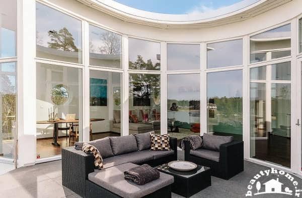 معماری داخلی خانه با طراحی تراس مدرن