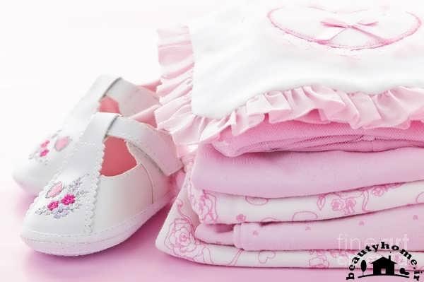 لباس و کفش نوزاد برای سیسمونی نوزاد