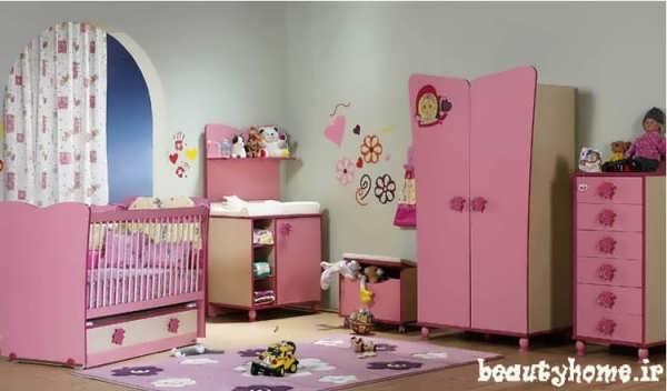 چیدمان اتاق نوزاد شاد با رنگ قرمز