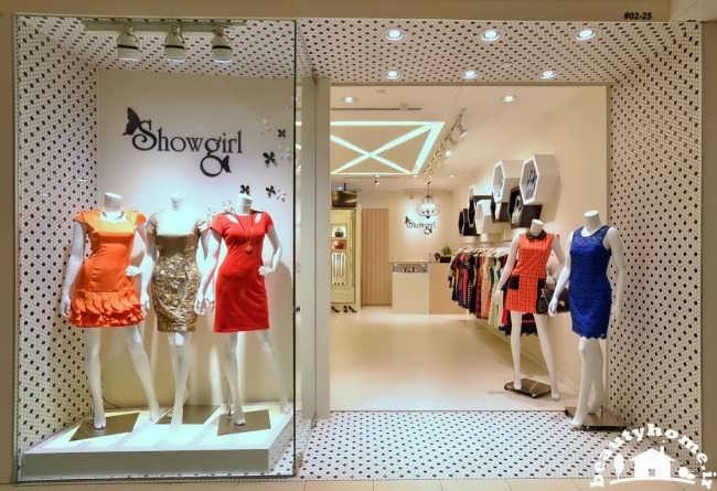 طراحی دکوراسیون فروشگاه لباس زنانه شیک و با کلاس