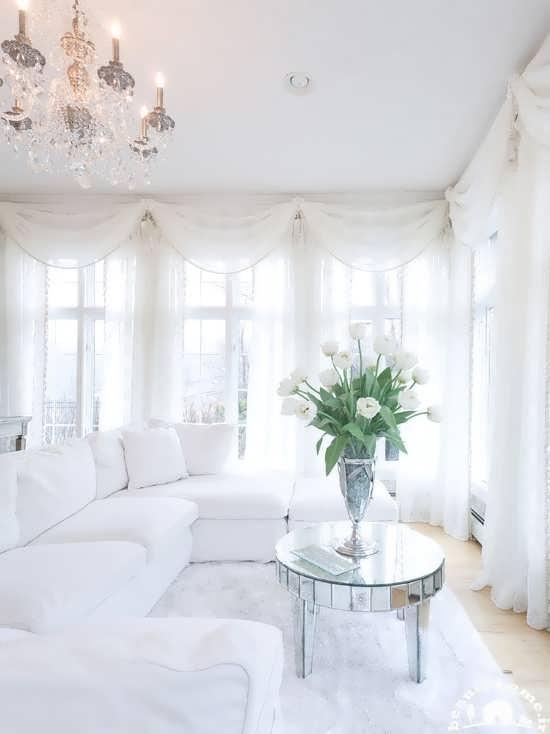 دکوراسیون اتاق پذیرایی سفید