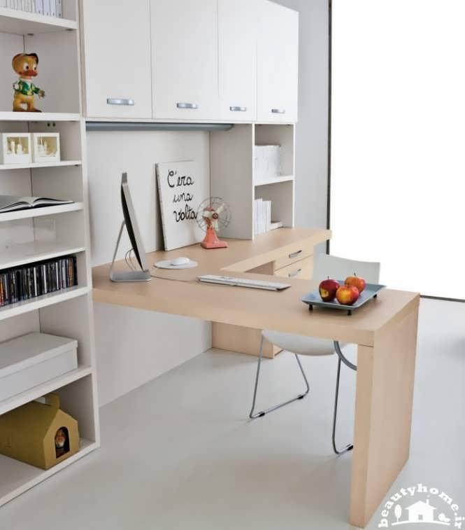 میز کامپیوتر کودک و نوجوان