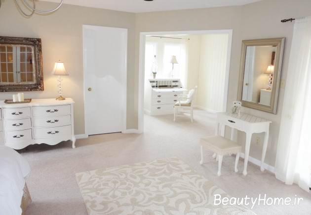 رنگ وسایل در اتاق خواب سفید
