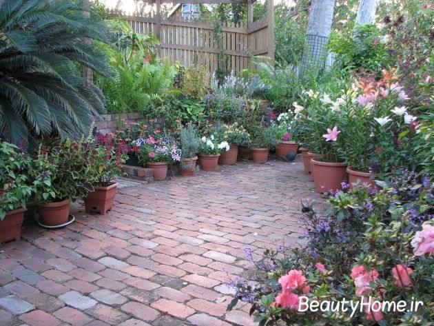 گلدون های گل در تزیین حیاط