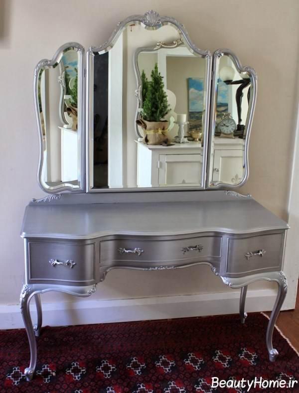 میز آرایش با آینه بزرگ