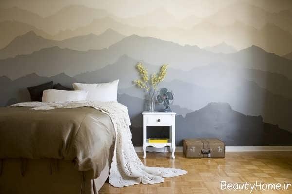 نقاشی کوه بر روی دیوار اتاق خواب