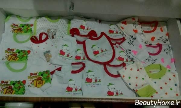 چیدمان لباس نوزاد در درون کمد