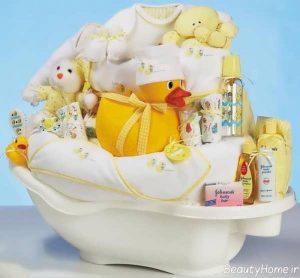 تزیین وسایل حمام نوزاد برای سیسمونی دخترانه