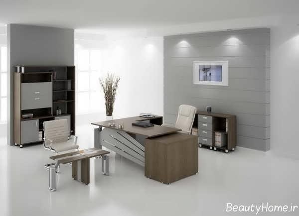 میز با طراحی مدرن برای مدیریت