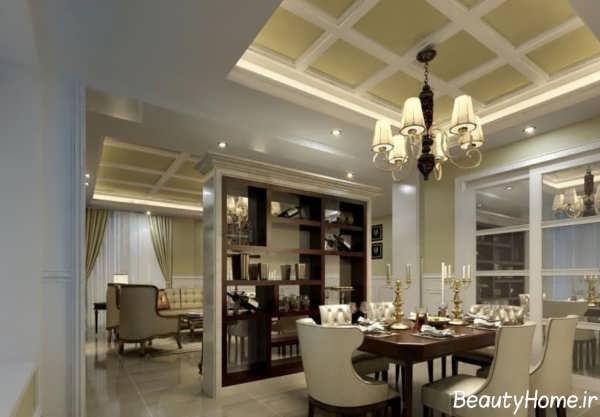 پارتیشن بندی چوبی بین اتاق پذایریی و اتاق غذاخوری