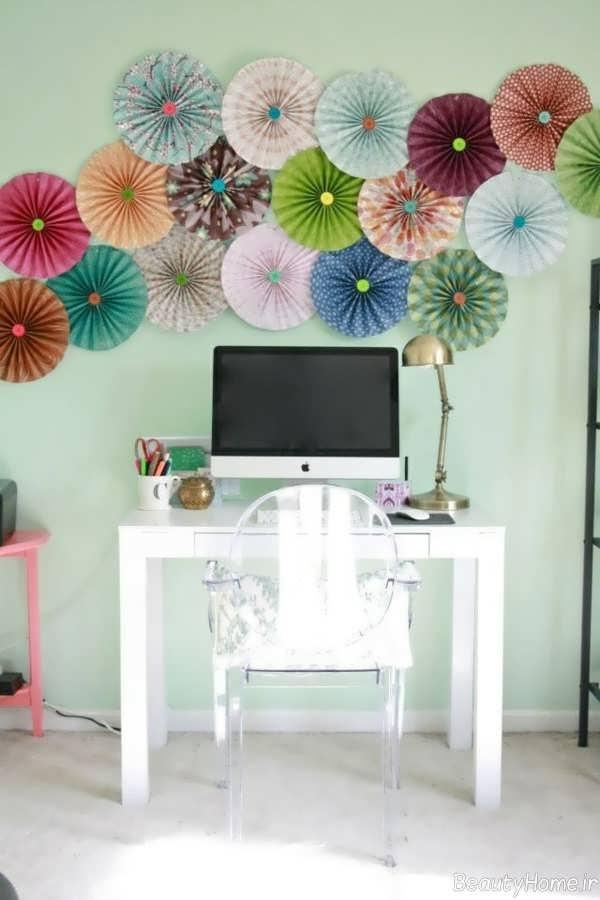 تزیین دیوار اتاق خواب با کاغذ رنگی