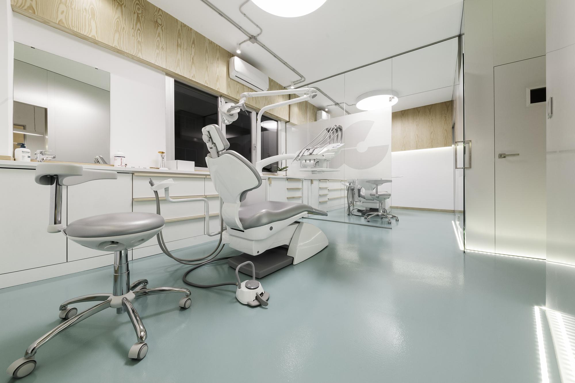 دکوراسیون مطب دندانپزشکی با 23 طراحی شیک