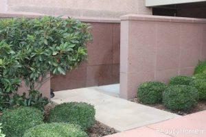 نمای ساده دیوار حیاط