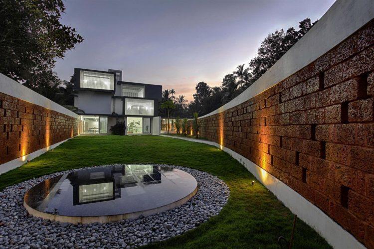 طراحی نمای دیوار حیاط