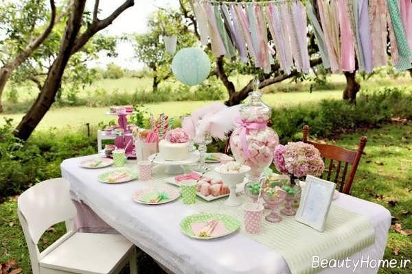 تزیین ساده و خاص میز تولد
