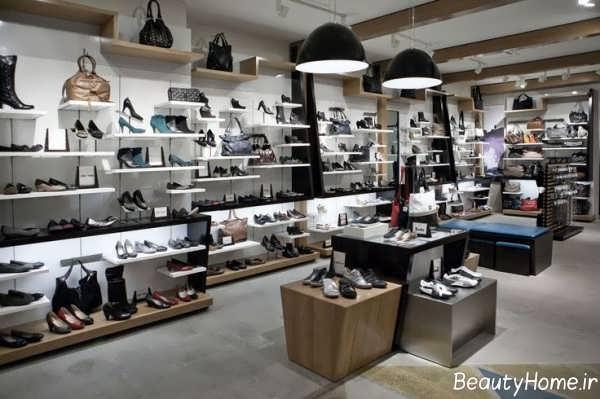 دکوراسیون زیبا و کاربردی فروشگاه کیف و کفش