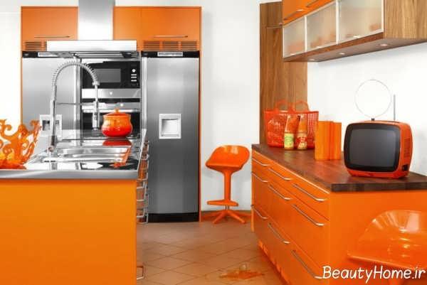 دکوراسیون نارنجی و خاکستری آشپزخانه