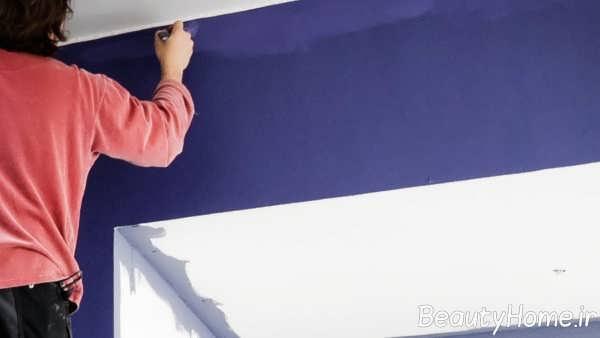 رنگ کردن دیوار با قلم مو