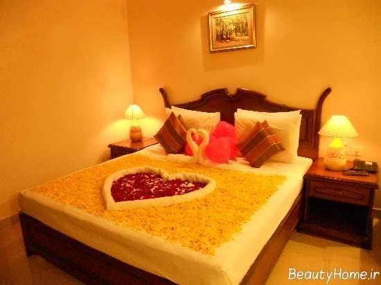 تزیین زیبا و شیک تخت خواب با گل