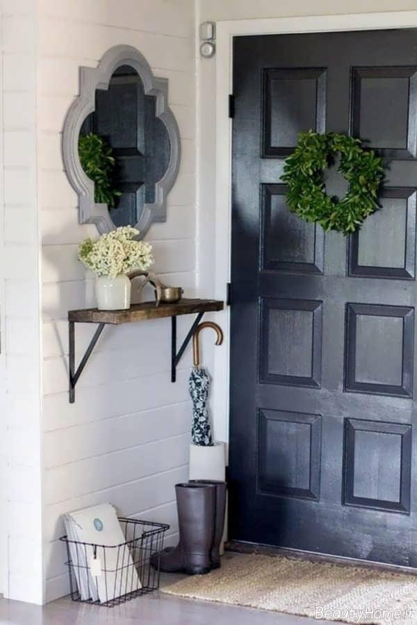 تزیین ساده و جذاب درب آپارتمان