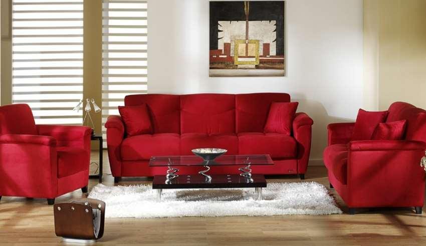 دکوراسیون اتاق پذیرایی با مبل قرمز