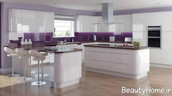 دکوراسیون آشپزخانه با تم بنفش و سفید