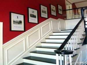 رنگ سفید و قرمز دیوار برای راه پله