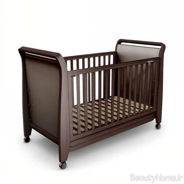 تخت خواب نوزاد با تم قهوه ای سوخته