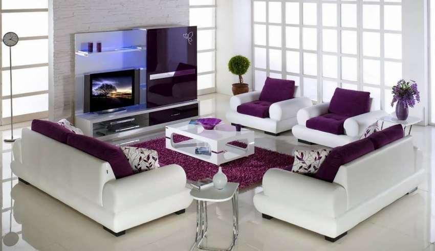 طراحی اتاق نشیمن با تم بنفش