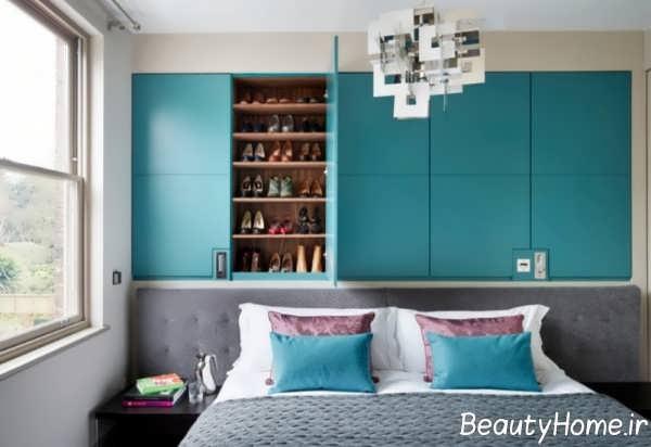 تزیین متفاوت بالای تخت خواب با شلف و قفسه