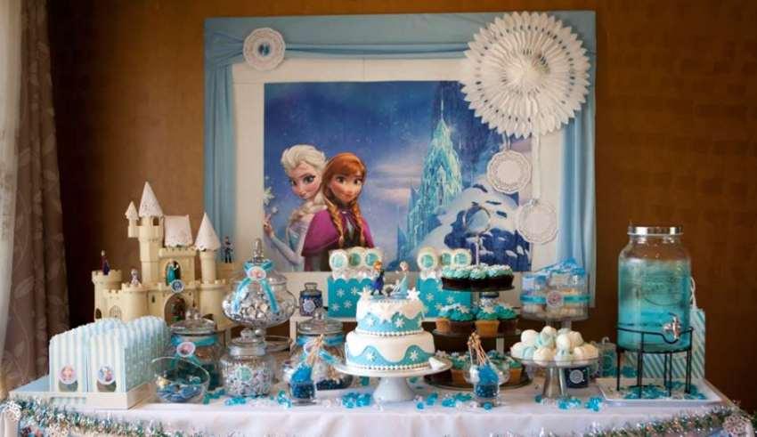 تم تولد فروزن با تزئینات زیبا و جذاب برای دختر بچه ها