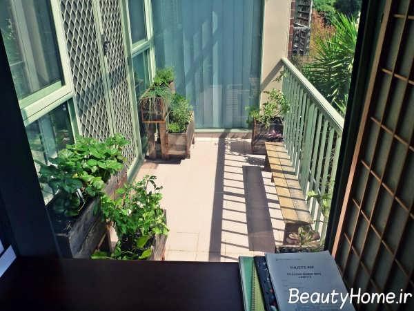 فضای سبز زیبا و ایده آل در بالکن
