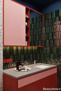 ترکیب ظریف قرمز، آبی و سبز در حمام