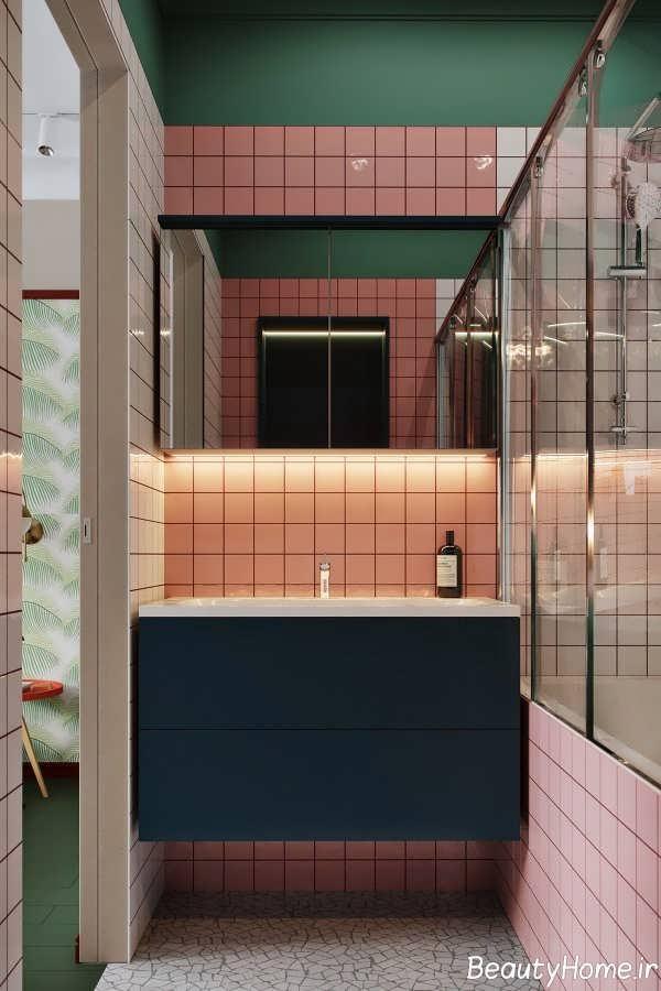 دکوراسیون شیک حمام با تم قرمز و آبی