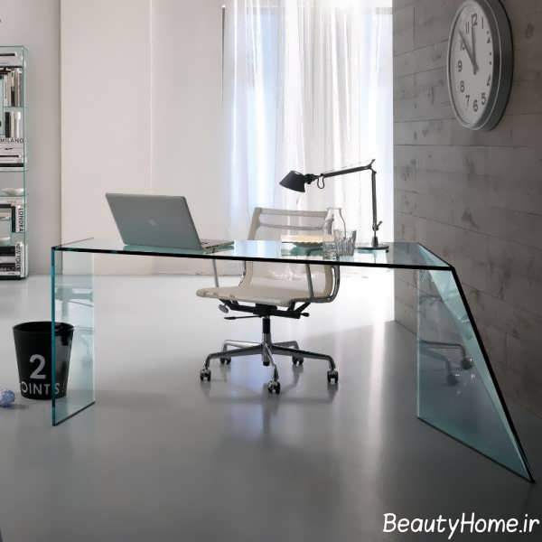 میز کار شیشه ای