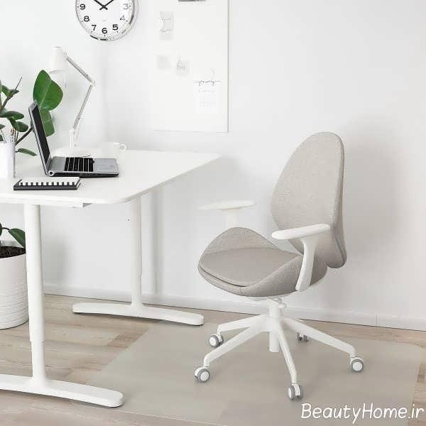 صندلی کامپیوتر با تم سفید