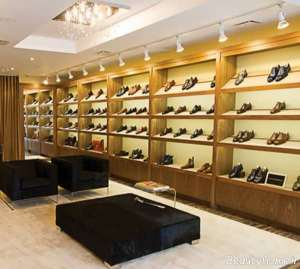 دکوراسیون زیبا و مدرن فروشگاه کفش