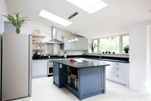 دکوراسیون آشپزخانه کلاسیک خاکستری