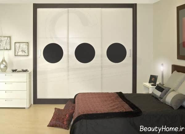 کمد دیواری سفید و قهوه ای