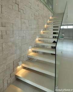 نور مخفی در راه پله