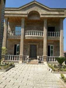 نمای زیبا و کلاسیک ساختمان