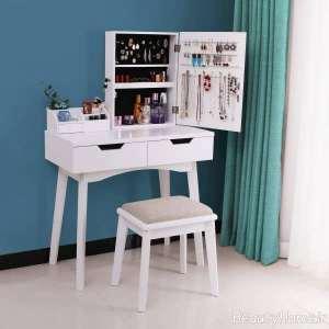 میز آرایش با فضای کافی