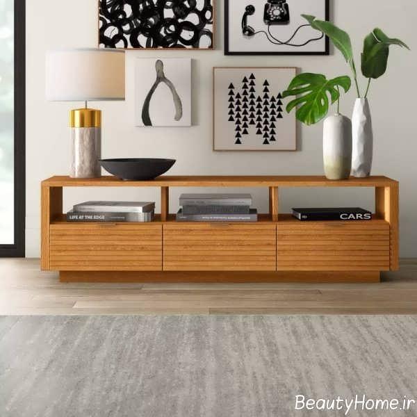 طرح ساده و چوبی میز تلویزیون