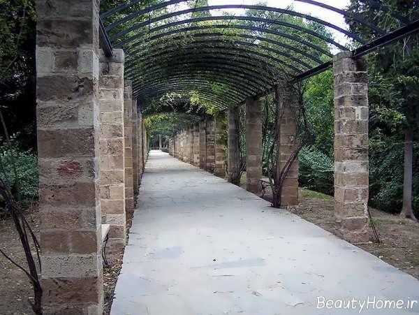 طراحی ساده راهروی باغ