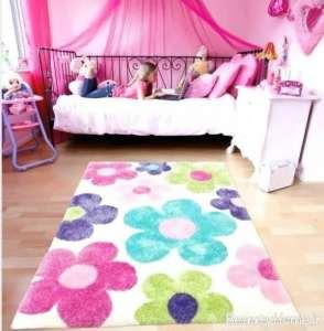 قالیچه گلدار اتاق کودک