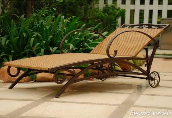 صندلی کنار استخر